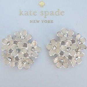 KATE SPADE WHITE FLORAL EARRINGS!! BRAND NWT!!